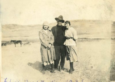 Edna Trottier, Max Trottier, Tillie Parenteau 1921 Max Trottier was Tillie's first cousin. Max's father, Patrice and Tillie's mother Ursula were siblings. Patrice moved his family from the lake to a ranch at Val Marie. Max settled in Malta, Montana. Fonds / Collection: Barb Parchman and family fonds